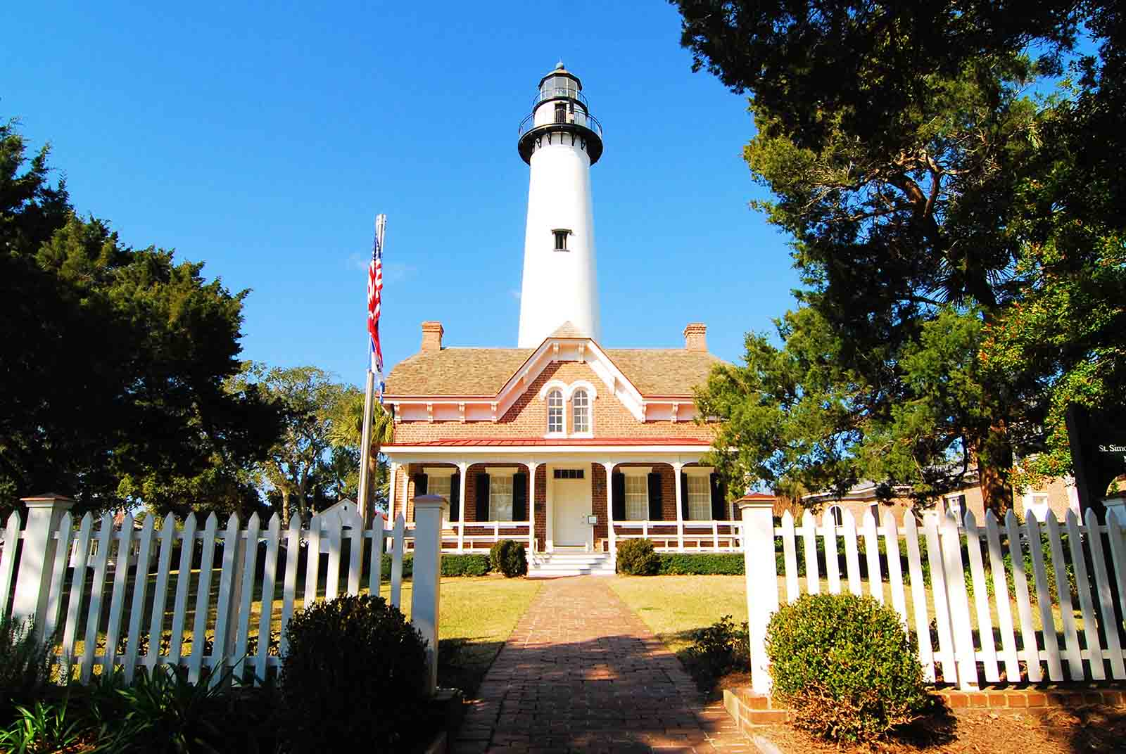 https://authenticamerica.com/wp-content/uploads/formidable/8/St-Simons-Lighthouse-1600x1072-1-150x150.jpg